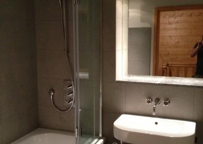 pete bathroom 142