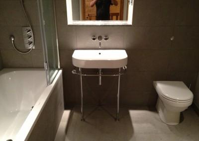 pete bathroom 144